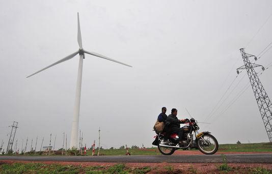 #Initiative : La Chine investit (enfin) dans les énergies renouvelables et ses émissions de CO2 diminuent. Mais il reste encore un long chemin !